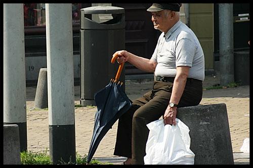 oldmanwithumbrella.jpg