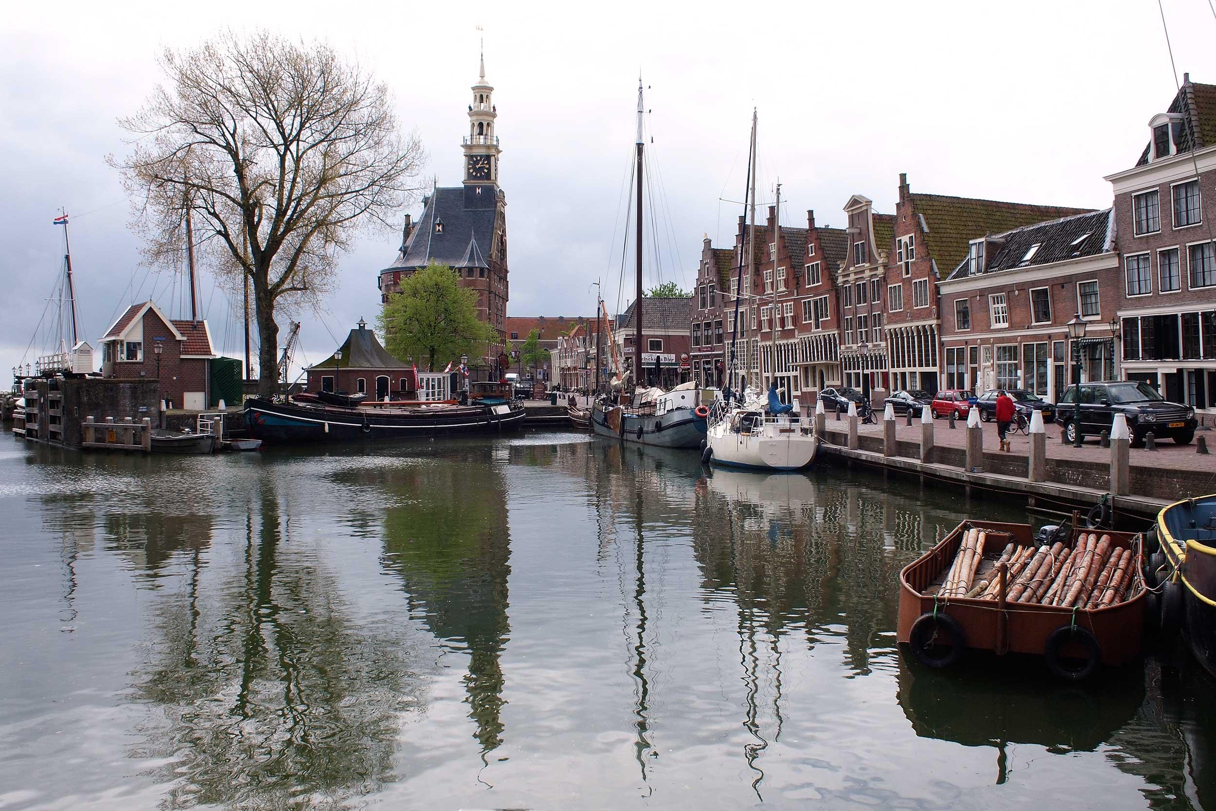 Hoorn-harbour-P5130363